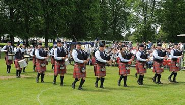 Raffrey Pipe Band from Northern Ireland for sending this great picture.