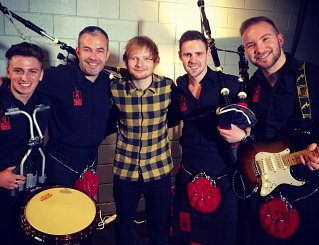 Red Hot Chilli Pipers with Ed Sheeran, EMA's 2014