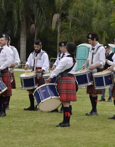 S.A.P.A Pipe Band from Buenos Aires, Argentina for these great pictures of the drummers