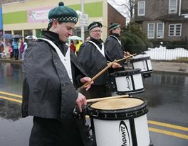 The Essex County Shillelagh Pipes & Drums from New Jersey USA for these great photos of the guys on parade.