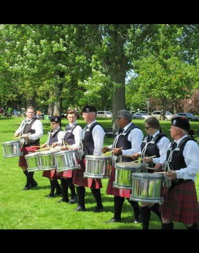 Toronto Police PB from Canada for this brilliant picture of them warming up at the Coburg Highland Games.